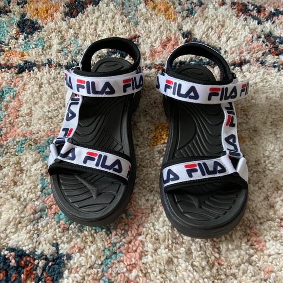 Nwot Fila Retro Sport Velcro Strap